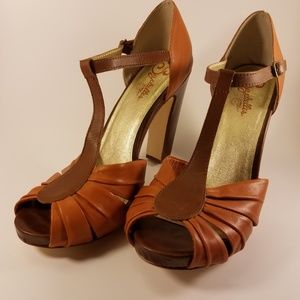 Seychelles | t-strap peep toe retro anthropologie